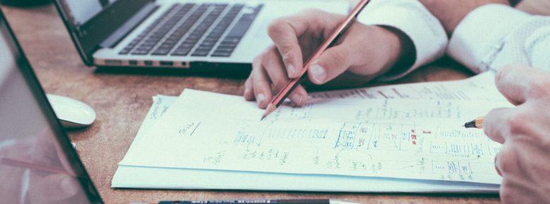¿Cómo emitir una factura a un cliente de fuera de España?